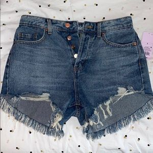 BRAND NEW ripped jean shorts